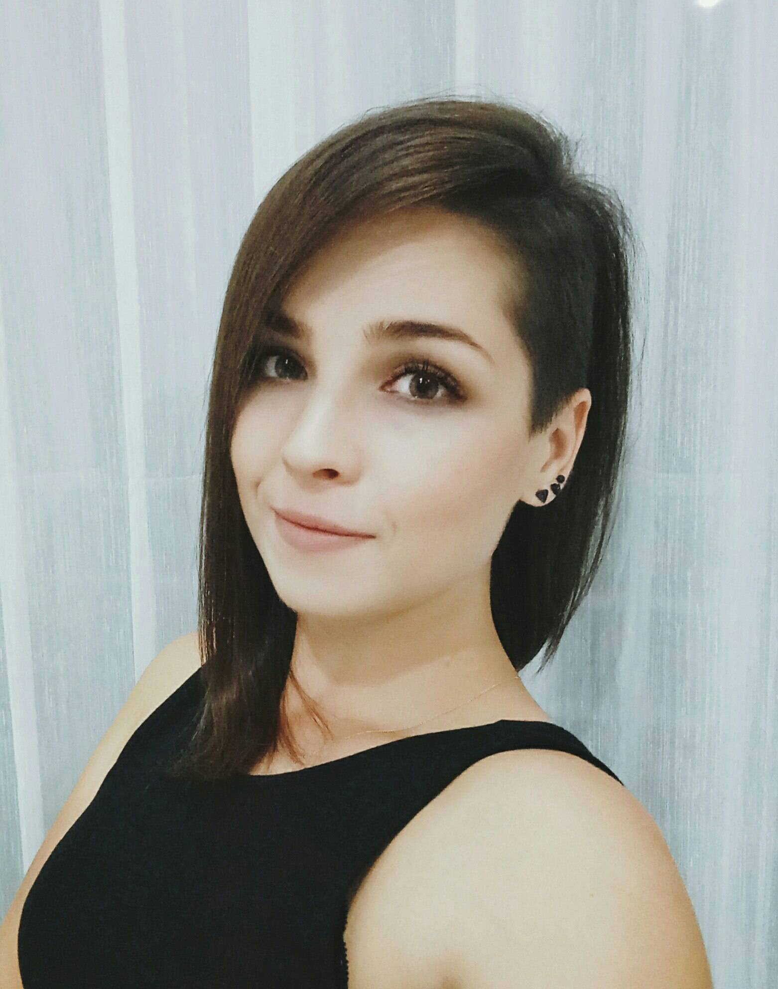Анжелика Максумова